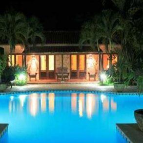 Luxusvilla direkt mit eigenen Privatstrand