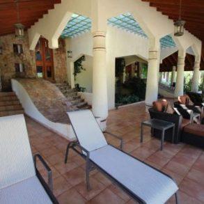 Fantastisches Anwesen mit 4 Schlafzimmern und Herrlichem Meerblick