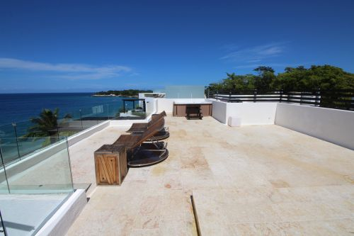 Luxus-Penthouse am Strand mit Panoramameerblick