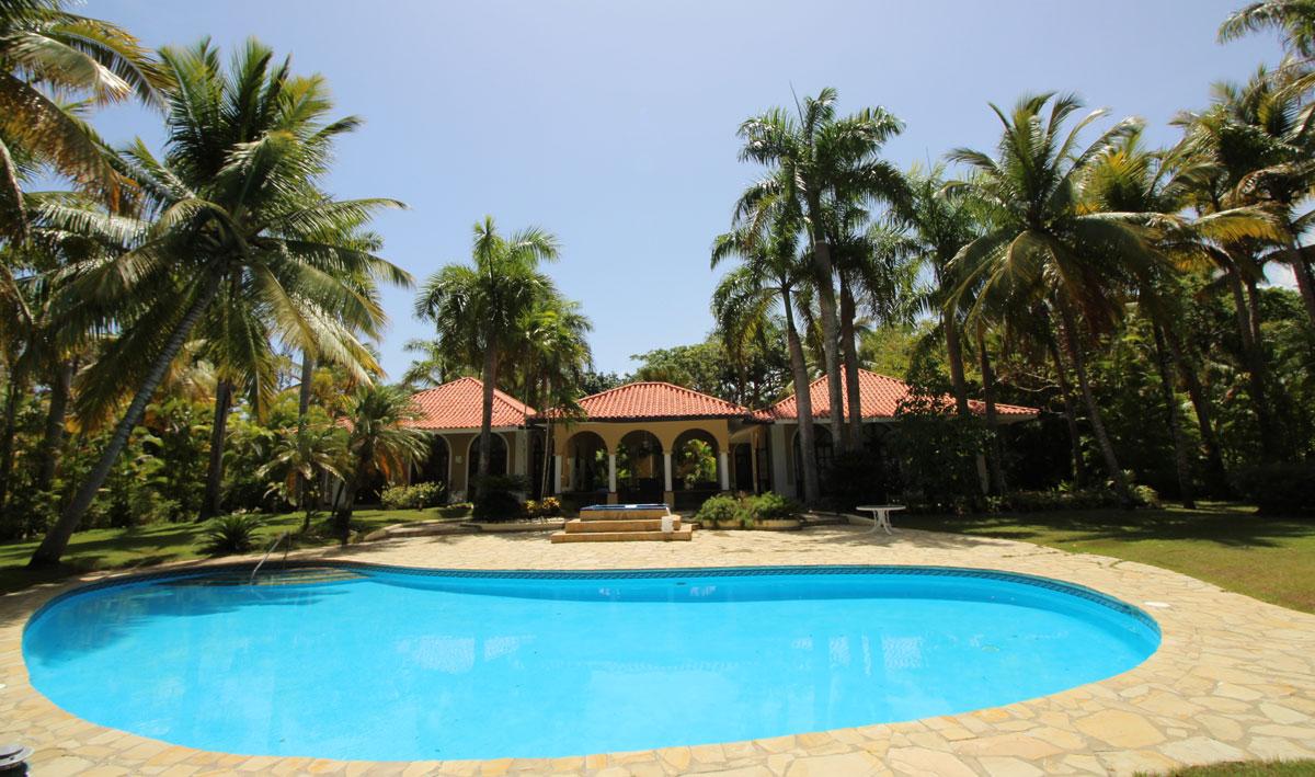 Luxus Villa nur wenige meter vom Strand entfernt